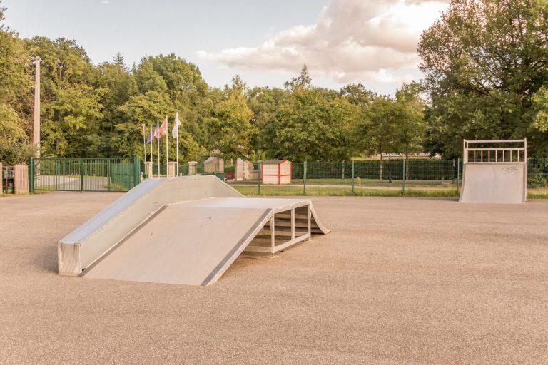 Parc De Fierbois : Tennis Et Skate Parc (6)