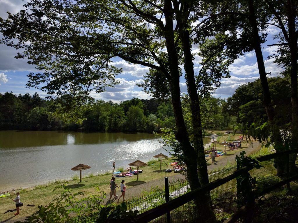 Parc de Fierbois: 7 Fierbois Lake and Fishing 3