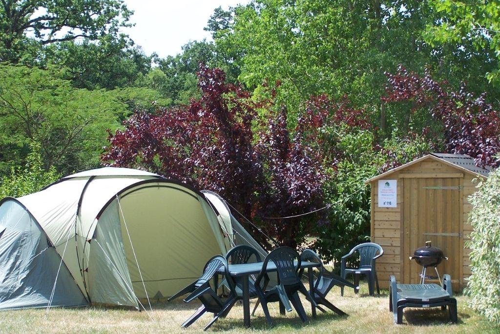 Emplacement prémium Parc De Fierbois Emplacements De Camping pour tente avec sanitaires privatifs